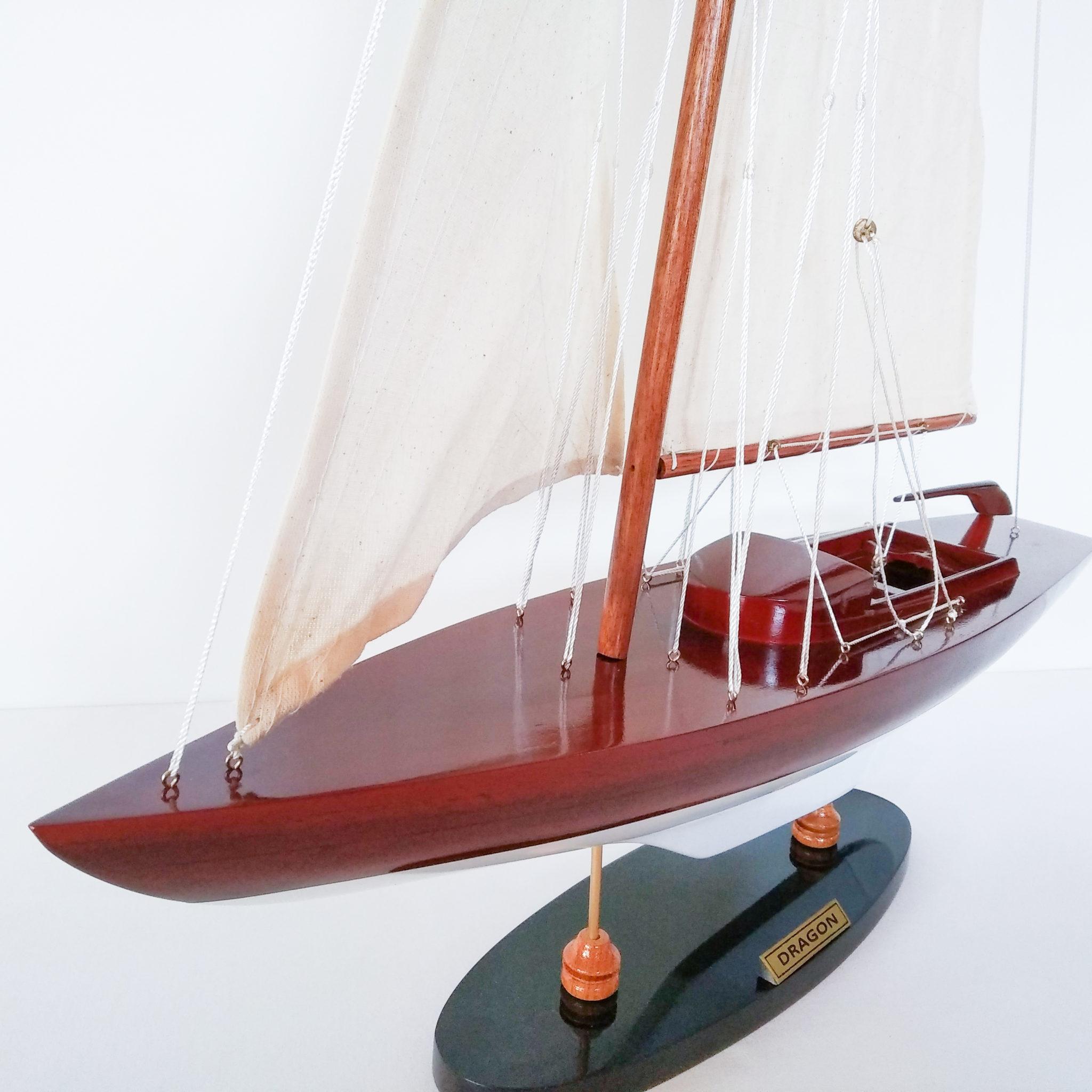 Dragon makett L50 Vitorlás hajómakett