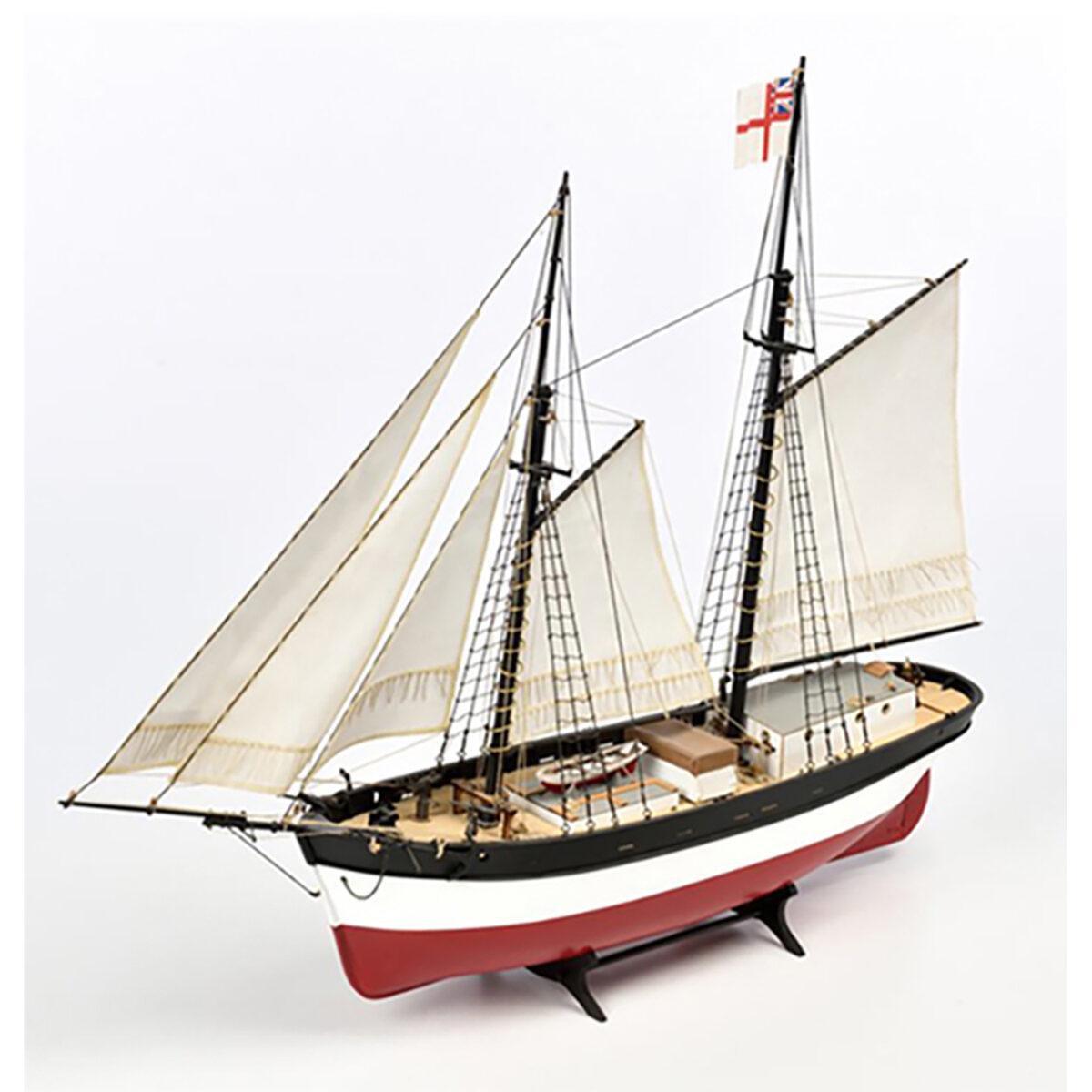 Q-Ship Hunter hajómakett építőkészlet Amati