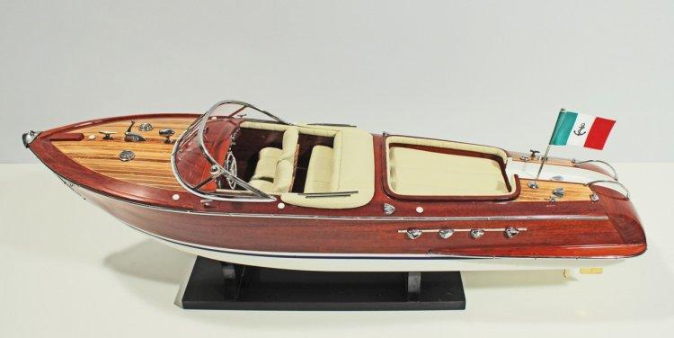 Riva Aquarama festett makett Motorcsónak makett [tag]