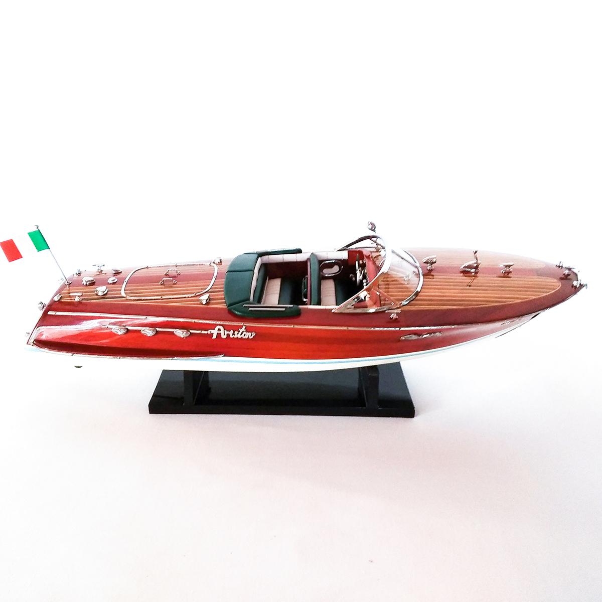 Riva Ariston festett makett Motorcsónak makett