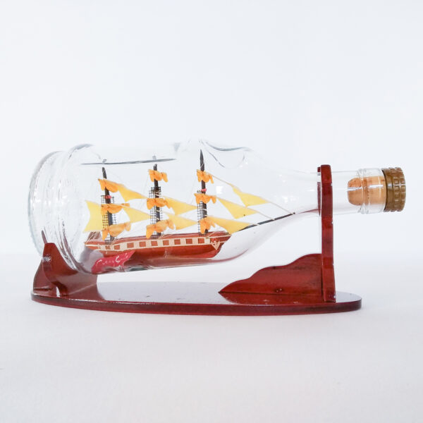 Cutty Sark Henessy palackban Hajómakett üvegben