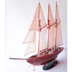 America festett makett L60 Vitorlás hajómakett