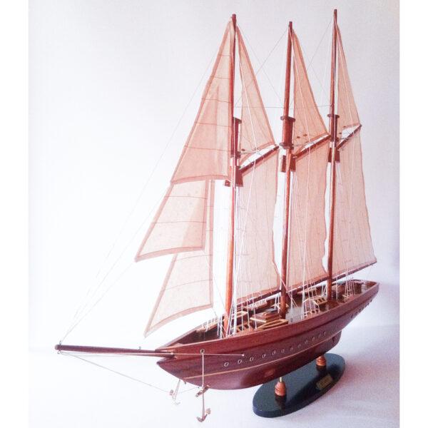 Amerika kupás kis vitorlás makett L32 Vitorlás hajómakett